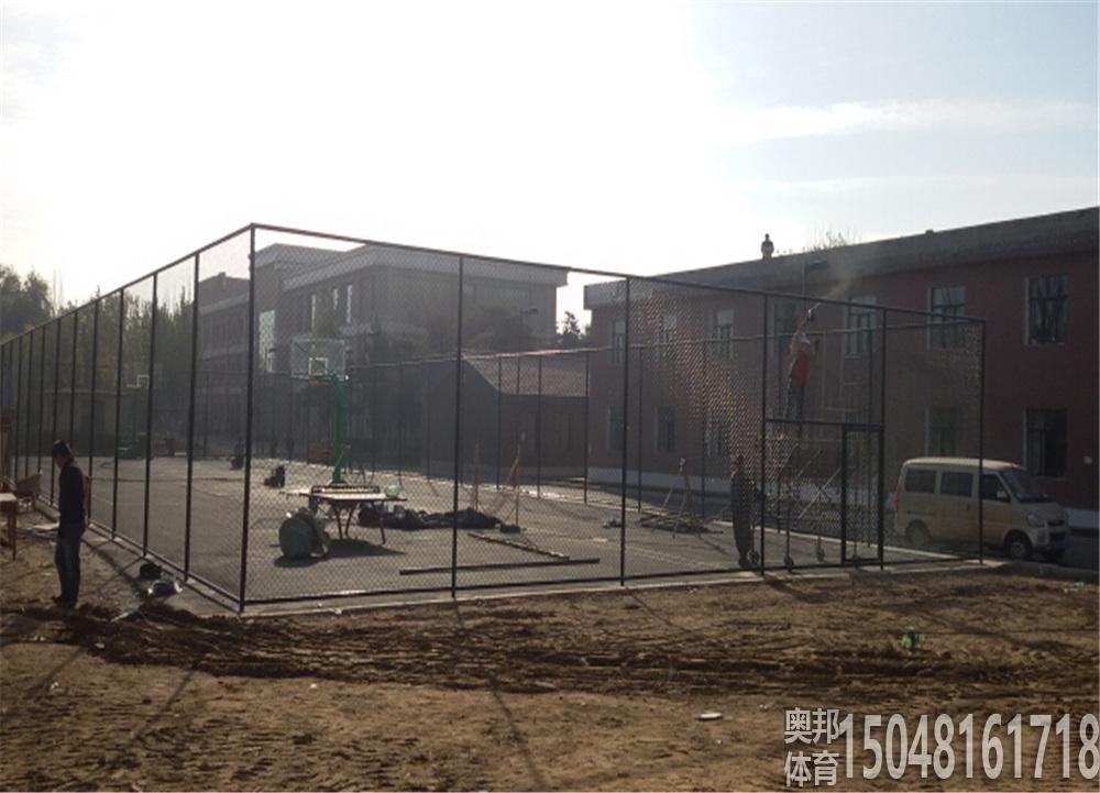 包头市青山宾馆运动场地围网工程顺利完工